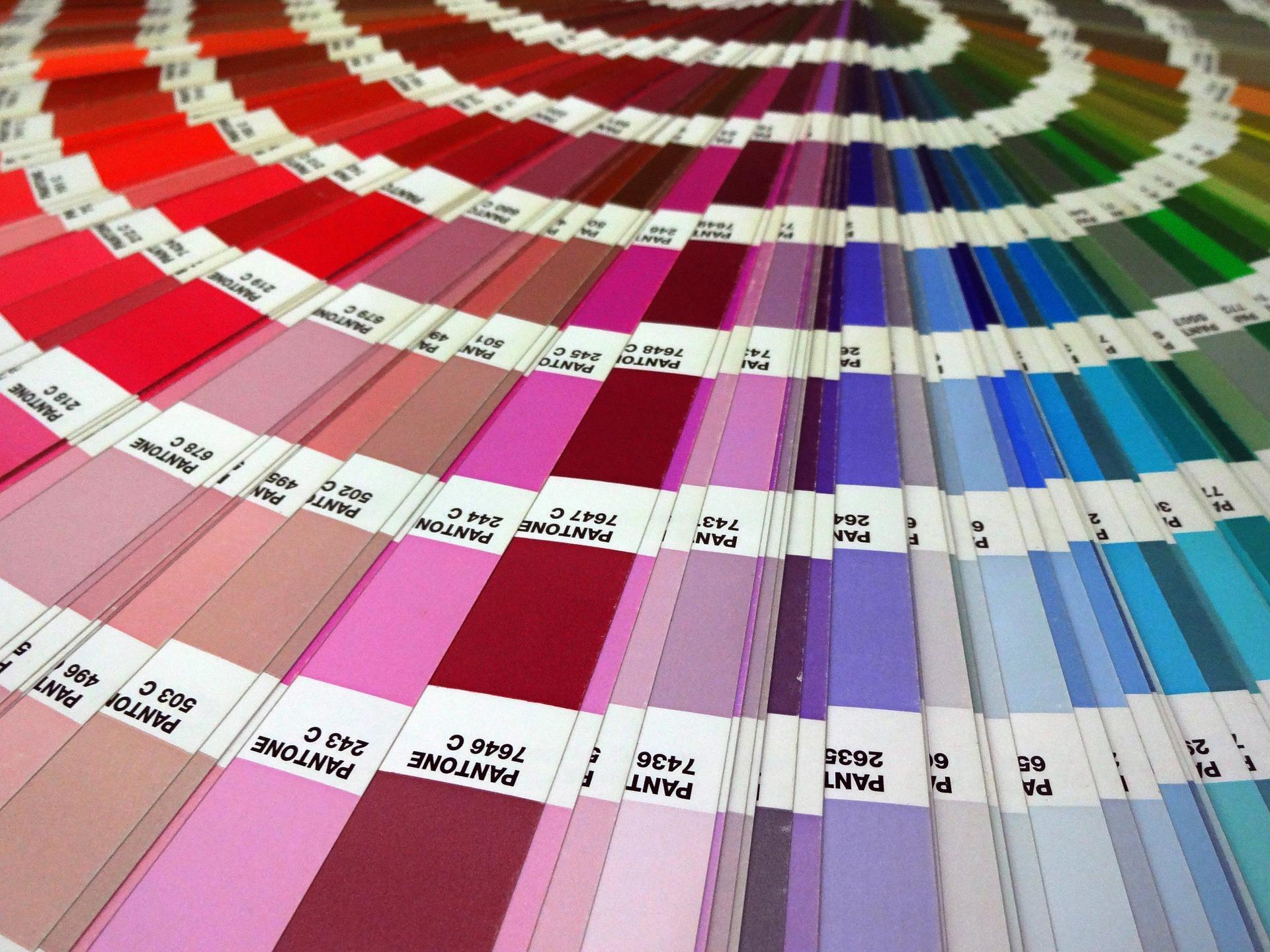 Pantone назвали главные цвета 2021 года