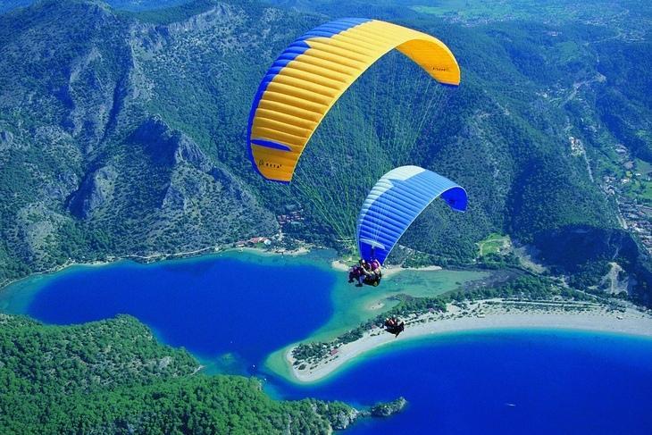 Сезон параглайдинга в Олюдениздлится с апреля по октябрь