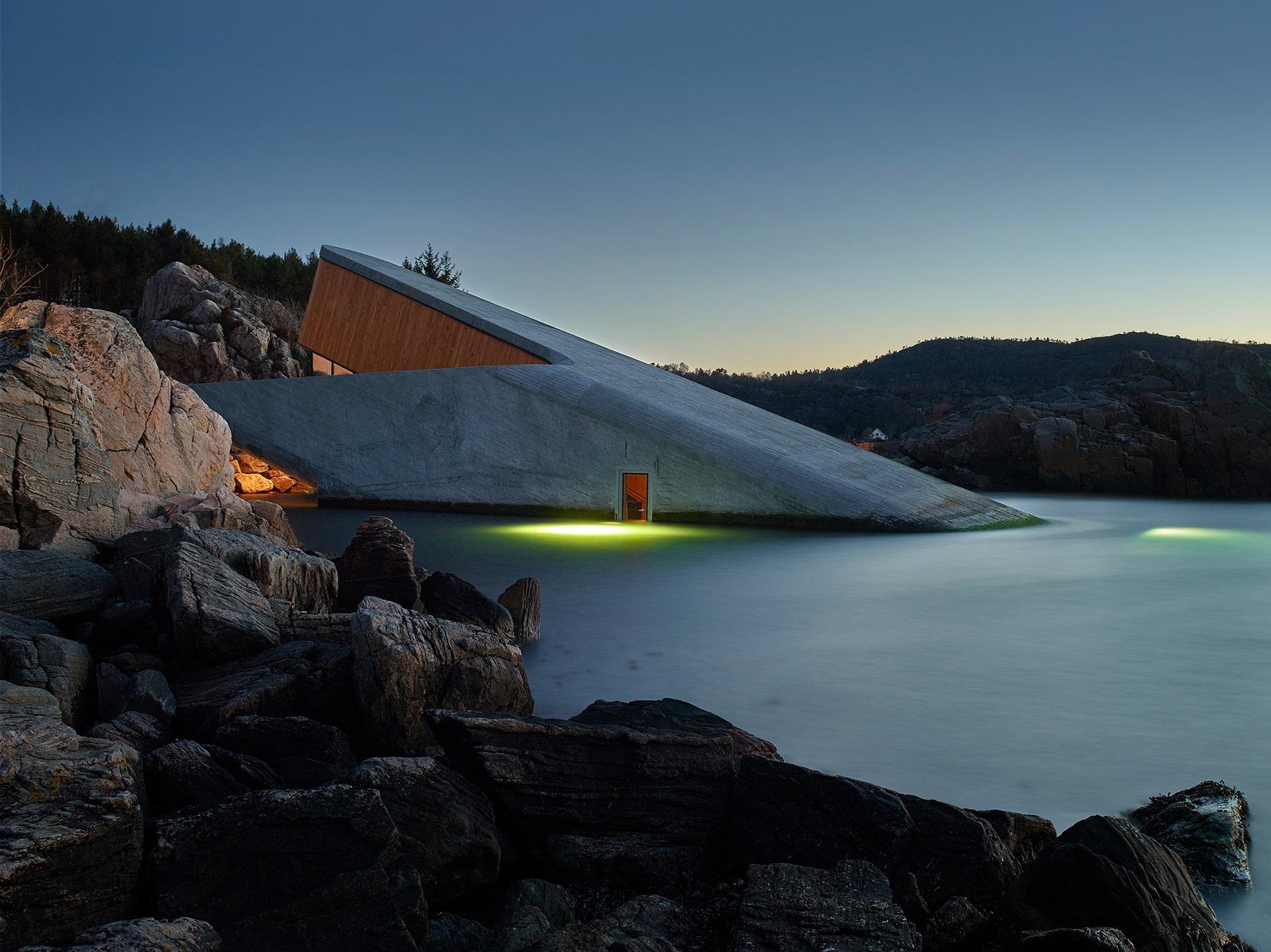 ресторан Under под водой Норвегия