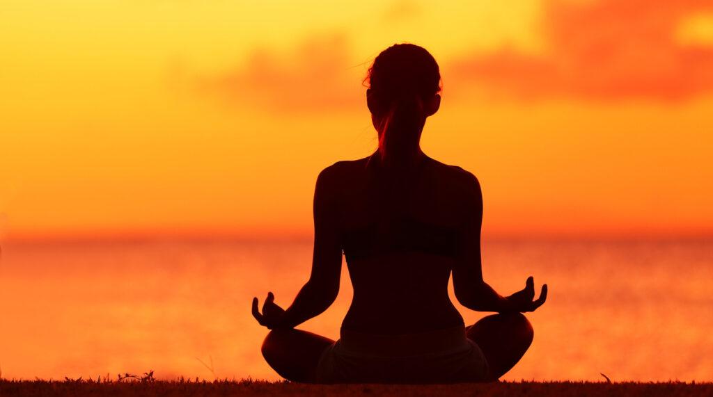 Места для медитаций в Украине: йога, углехождение и випассана