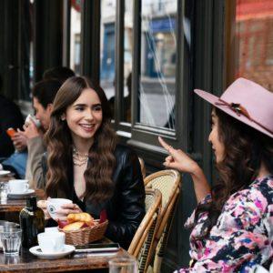 эмили в париже кафе