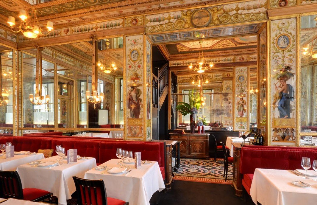Эмили в Париже 10 мест: Ресторан Le Grand Vefour
