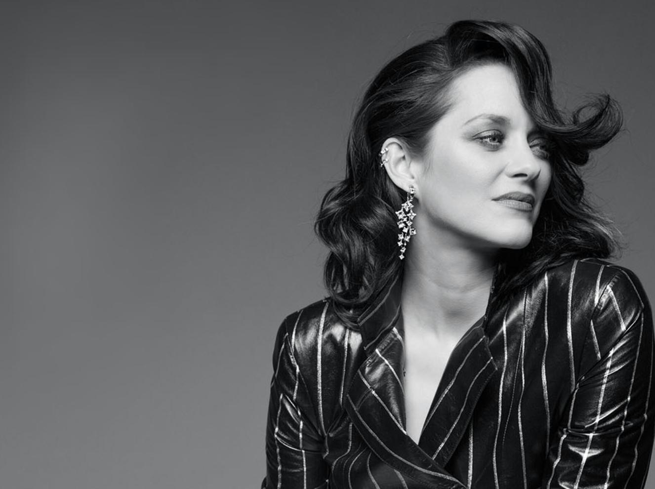Марион Котийяр представила коллекцию ювелирных украшений