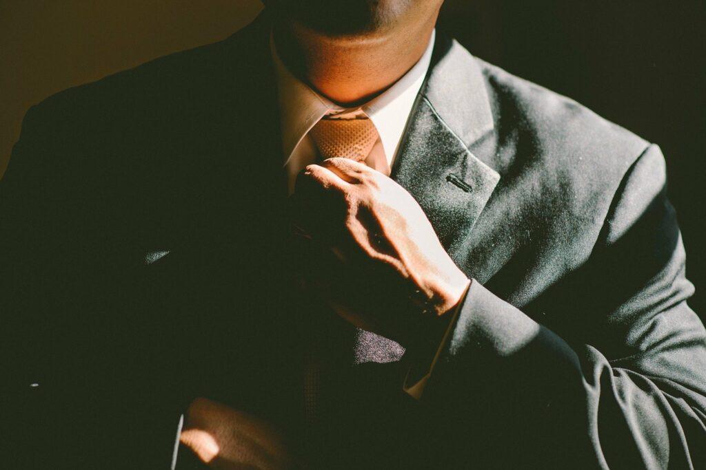 Мужская мода: индивидуальный пошив трендовых аутфитов от Isaia