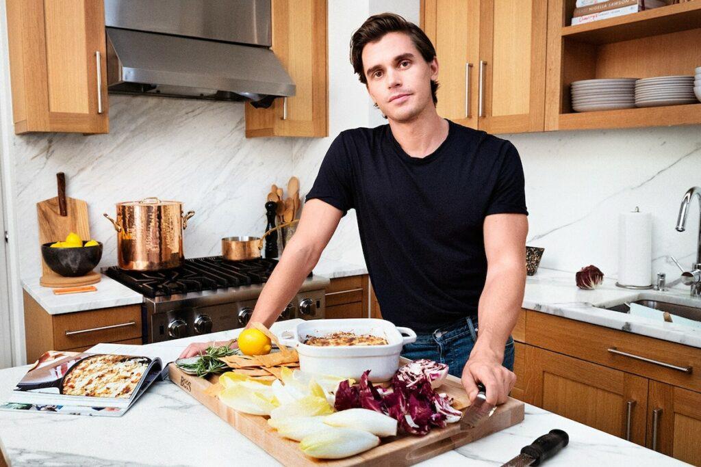 Готовим вместе: 10 кулинарных книг знаменитостей