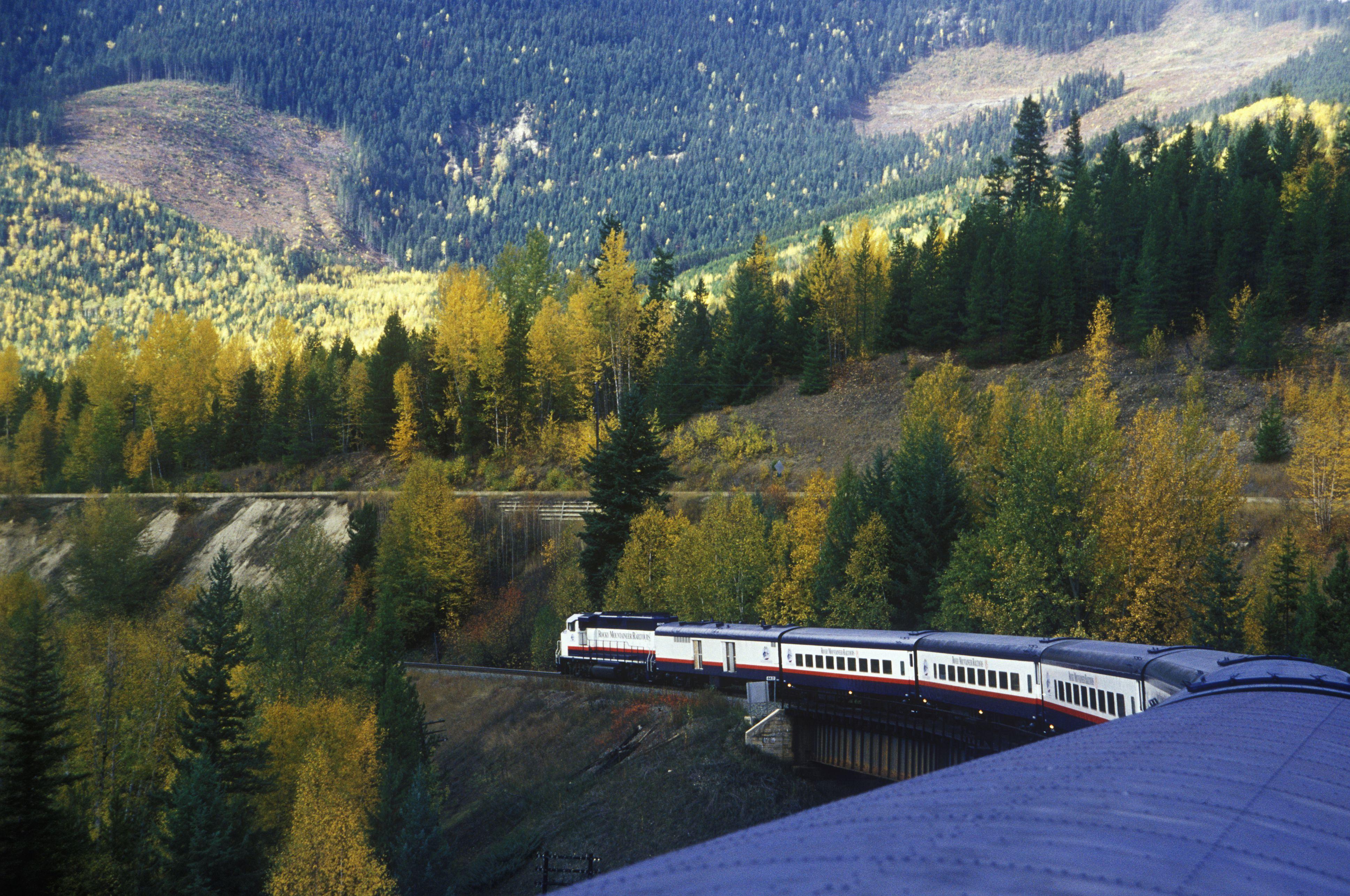 Rocky Mountaineer в Канаде лучшие туристические направления